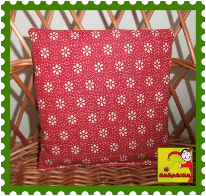 Nahřívací polštářek plněný třešňovými peckami- červený/květy